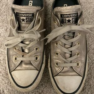 Converse Chuck Taylor All Star in Gold, size 5-6
